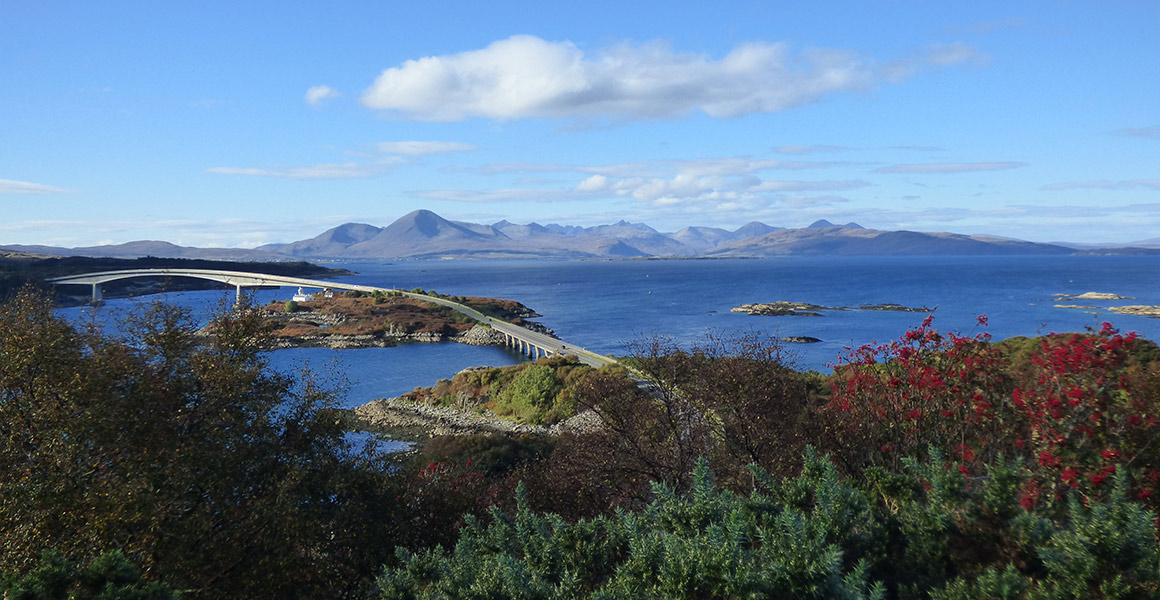 Shingle Bay Cottage Self Catering Skye Bridge Plockton Boat Trips Isle of Skye